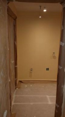 1 mano de plastico sideral color marron en paredes (5)