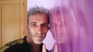 Reflejos sobre estuco Marmoleado Violeta (12)