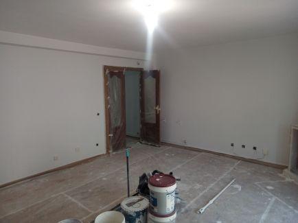 2 mano de plastico sideral s-500 gris en paredes (5)