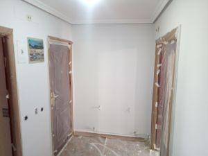 2 mano de plastico sideral s-500 gris en paredes (8)