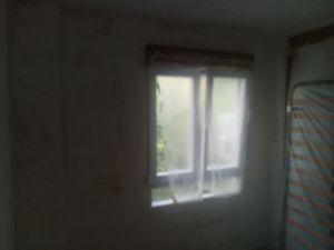 Aplicado 1 mano de aguaplast en paredes (10)