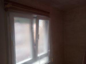 Aplicado 1 mano de aguaplast en paredes (12)