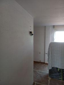 Aplicado 1ª Mano de Aguaplast Macyplast en techos y paredes (19)