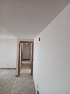 Aplicado 1ª Mano de Aguaplast Macyplast en techos y paredes (2)