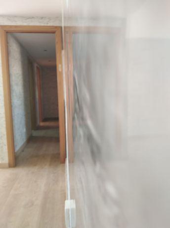 Reflejos sobre estuco marmoleado gris (4)