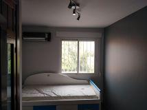 Habitacion 1 Plastico color gris claro y esmalte gris oscuro (8)