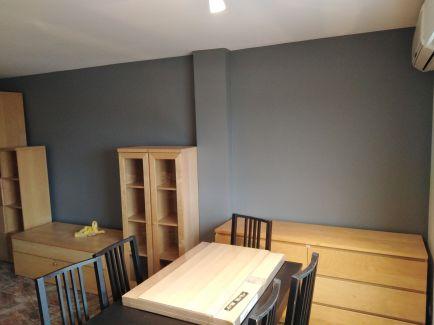 Salon plastico sideral color gris y esmalte al agua color gris oscuro (3)