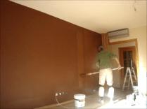Aplicando esmalte pymacril color marron 7