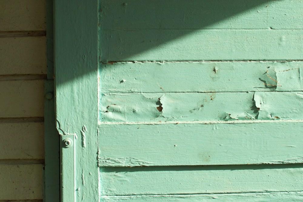 Holz5 the door
