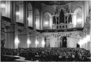 Hofkirche organ in 1989, photo by Ulrich Häßler