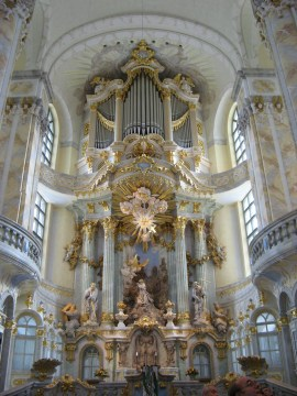 Frauenkirche organ, photo by Olivier Bruchez