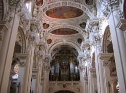 "Passau organ, photo by ""digital cat"""