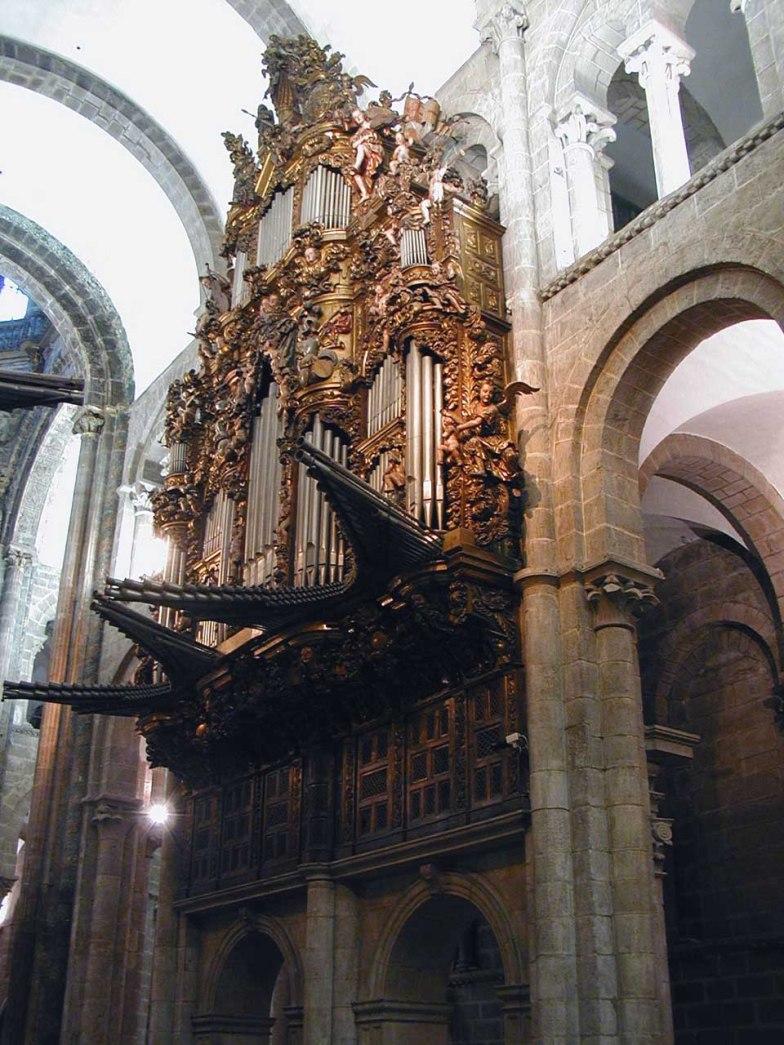 Santiago de Compostela organ, photo by Carolus