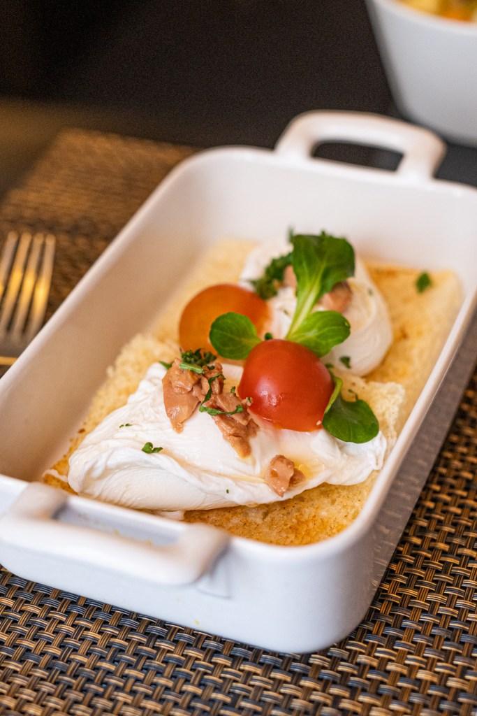 Brunch im Émile Restaurant - Pochierte Eier mit getrüffelter Entenleber