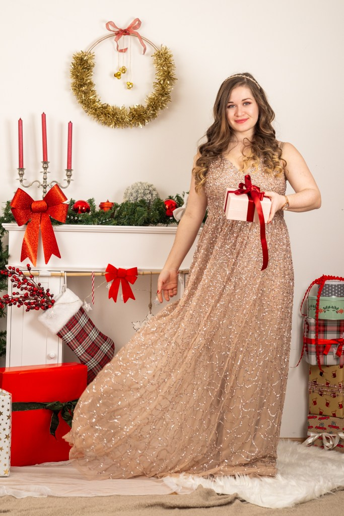 9 Christmas Outfit Inspirations - Maya Deluxe