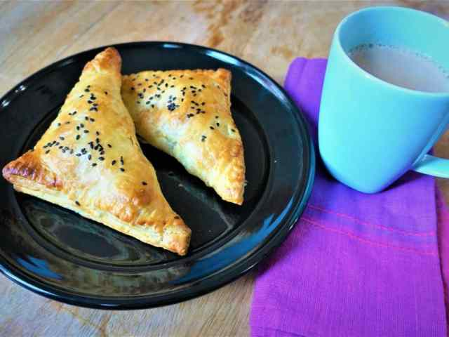 Paneer Puff Pastry Turnovers Air Fryer Oven Main 4.3