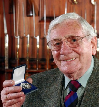 Harry Denyer with the Balvenie Medal