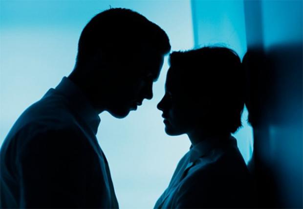 Equals: Sci-fi romântica com Kristen Stewart e Nicholas Hoult ganha trailer legendado