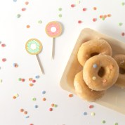 decoracion fiesta infantil descargables papeleria donut tematica color pastel invitacion cake toppers