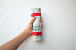 estuche enrollable tela cosido a mano hecho a mano manta maquillaje transportar brochas neceser pipolart pipol art estampado mapamundi mapa mundo