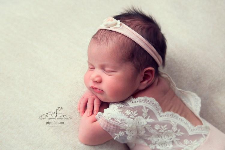 nyfødtfotografering-babyfotografering-oslo-follofotograf-familiefotografering