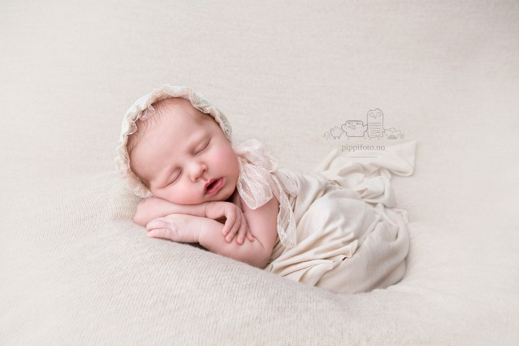 nyfødtfotografering-Oslo-nyfødtbilder-newbornphotography-babyfotografering