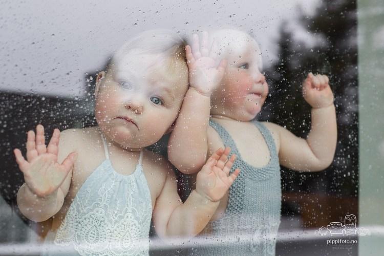 baby-tvillinger-babyfotografering-oslo-barnefotograf-oslo-hjemmefotografering
