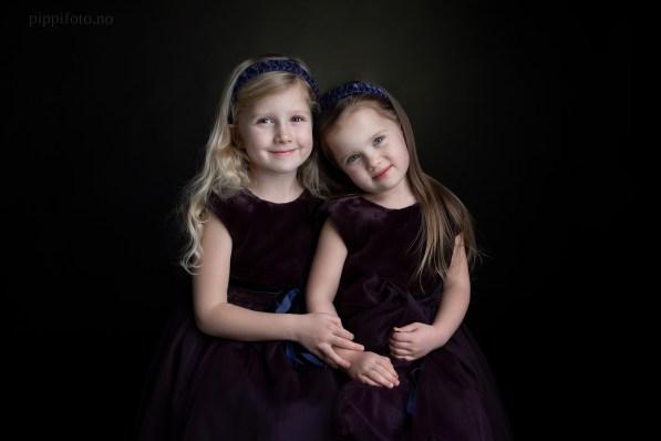 tvillingjenter-familiefotografering-barnfotografering-søsken