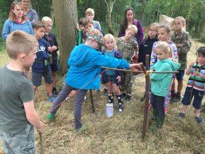 Pot hanger demonstration - Kids group