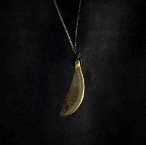 Pendentif 3 poissons en ivoire de mammouth de Sibérie par Olivier Picquart