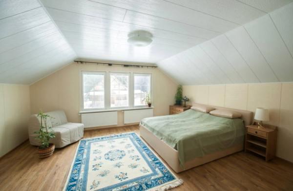 Потолок мансарды фото – 70+ фото в интерьере, современные ...