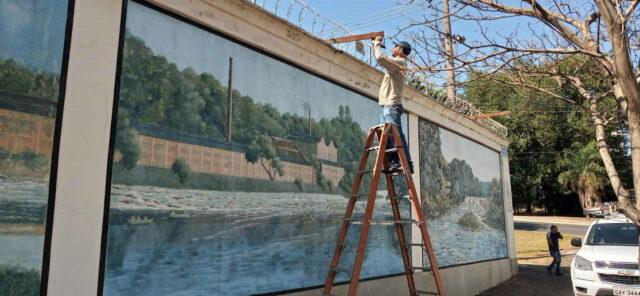 Pinturas no muro do Cemitério da Saudade ganharão iluminação led, em Piracicaba