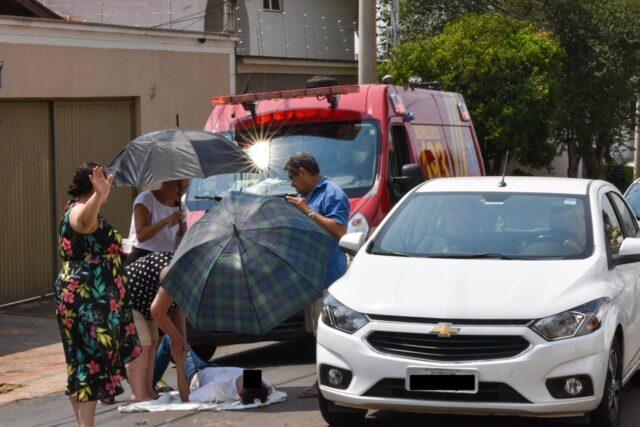 Jovem de 19 anos fica ferido em acidente envolvendo SUV e caminhão, em Piracicaba