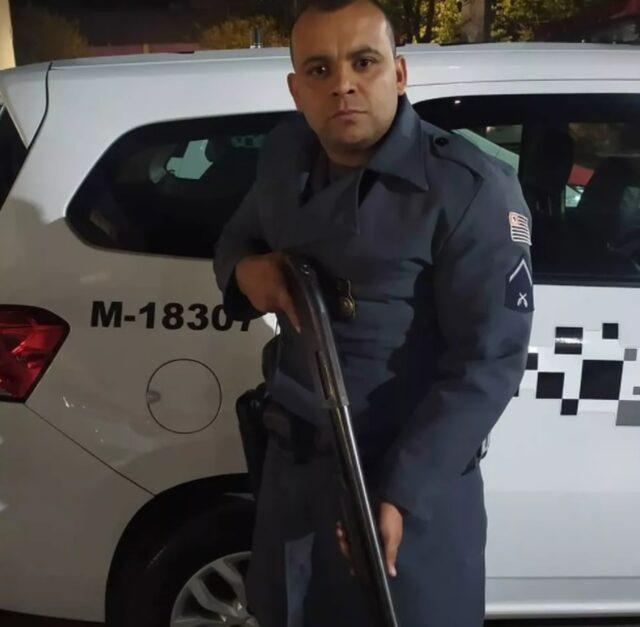 Um foto do soldado Daniel Alves de Lima de 32 anos encontrado morto