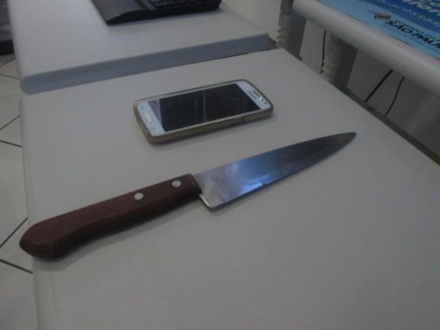 Faca de cozinha foi usada no crime motivado por ciúmes - Foto: Correio / RAC
