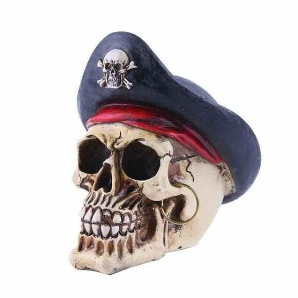 Pirate skull ornament side