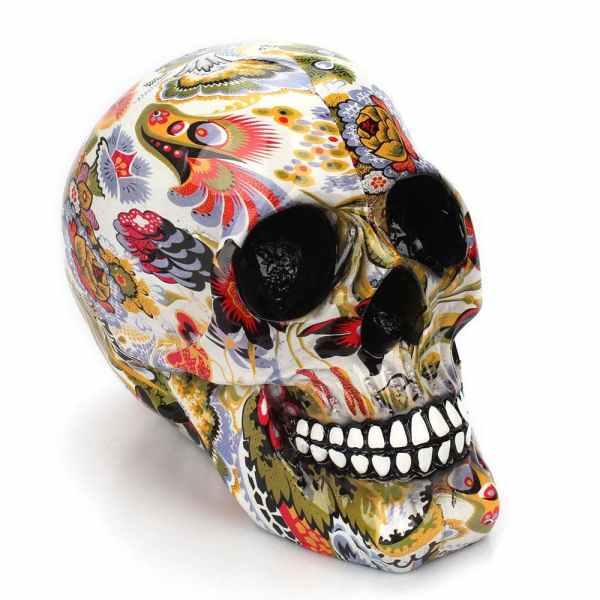 Skull flowers decor detail