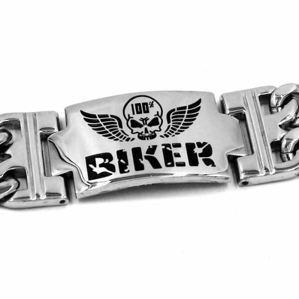Biker skull bracelet detail