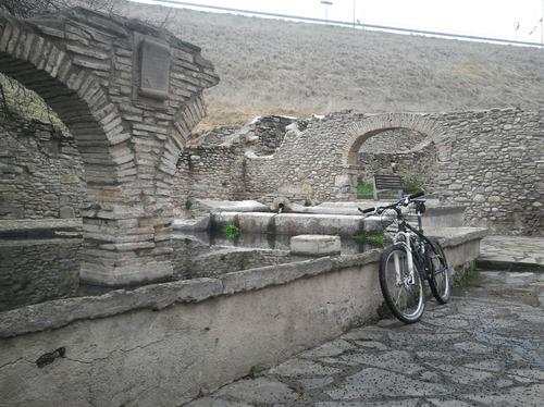 Antiguo lavadero a la salida de Jaca