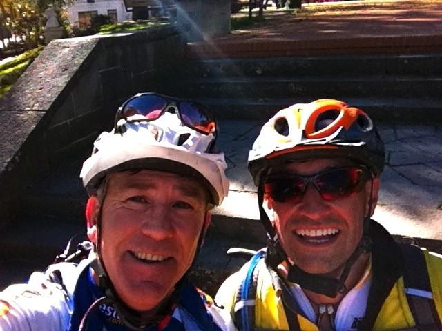 Brasi y Carlos en la Plaza de Elche