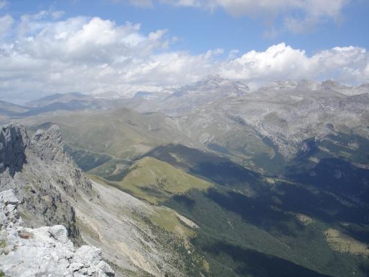 Vista de Ordesa desde la cumbre de Castillo Mayor