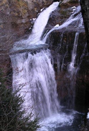 Cascada de la Cueva, al final de recorrido, en el Valle de Ordesa