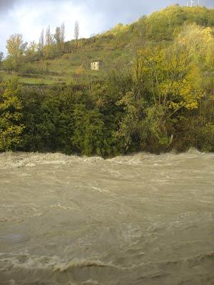 Río Ara en crecida, cerca de Ordesa