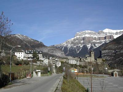 Vista de Torla, entrada a Ordesa