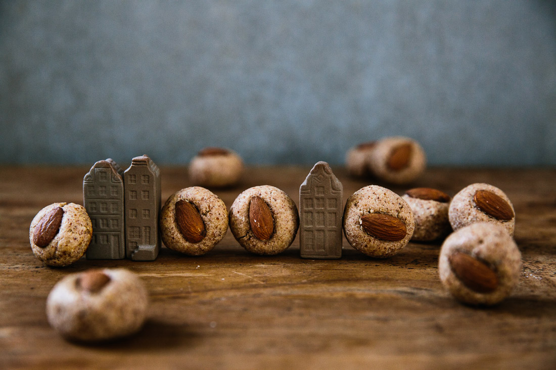 piroggi.com | Almond ball cookies