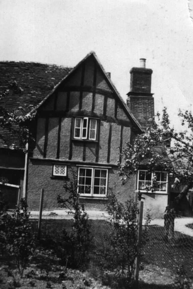 The house was divided into 2 cottages.