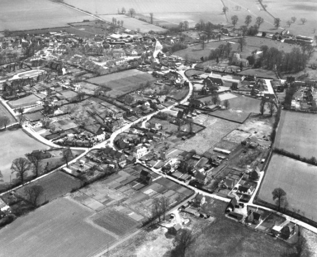 Aerial photo of Burge End circa 1964