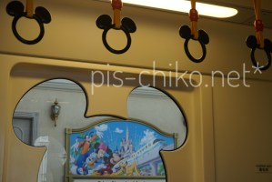 Disney RESORTLINEの車内