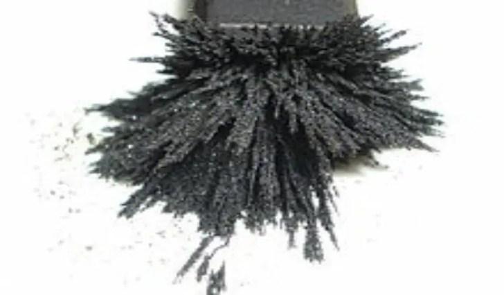 磁石にくっつく砂鉄
