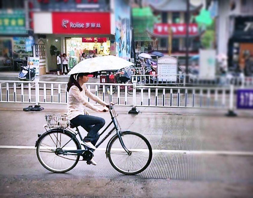 Bicicletas con sombrillas